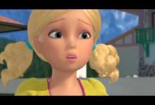 Barbie a Poníková akademie